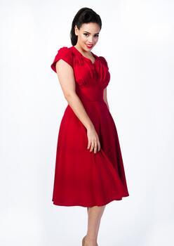 35fa15dc Rød kjole plus size